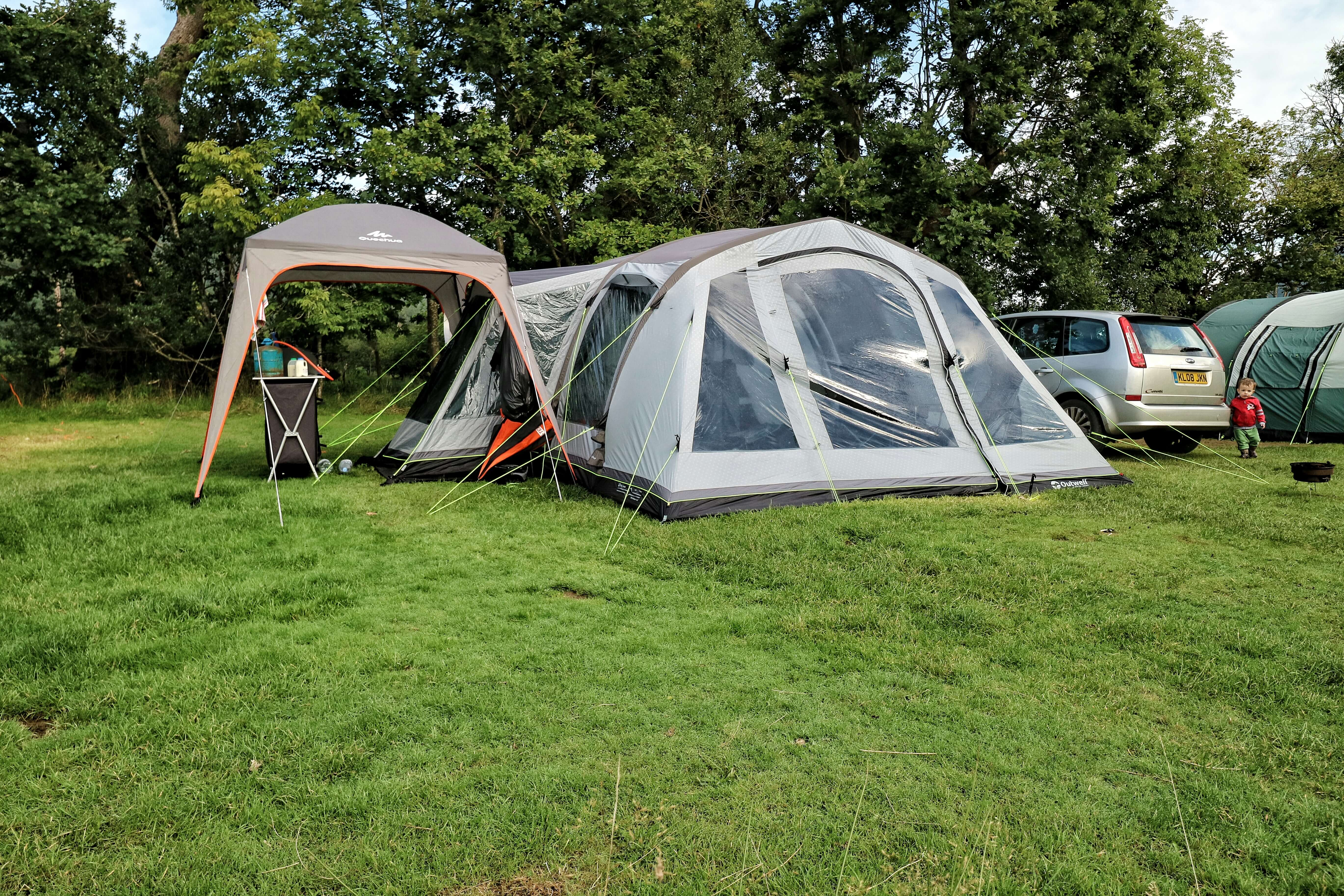 Outwell Montana 6ac camping set up