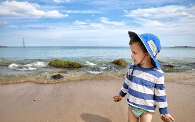 Top tips for enjoying the beach with a toddler