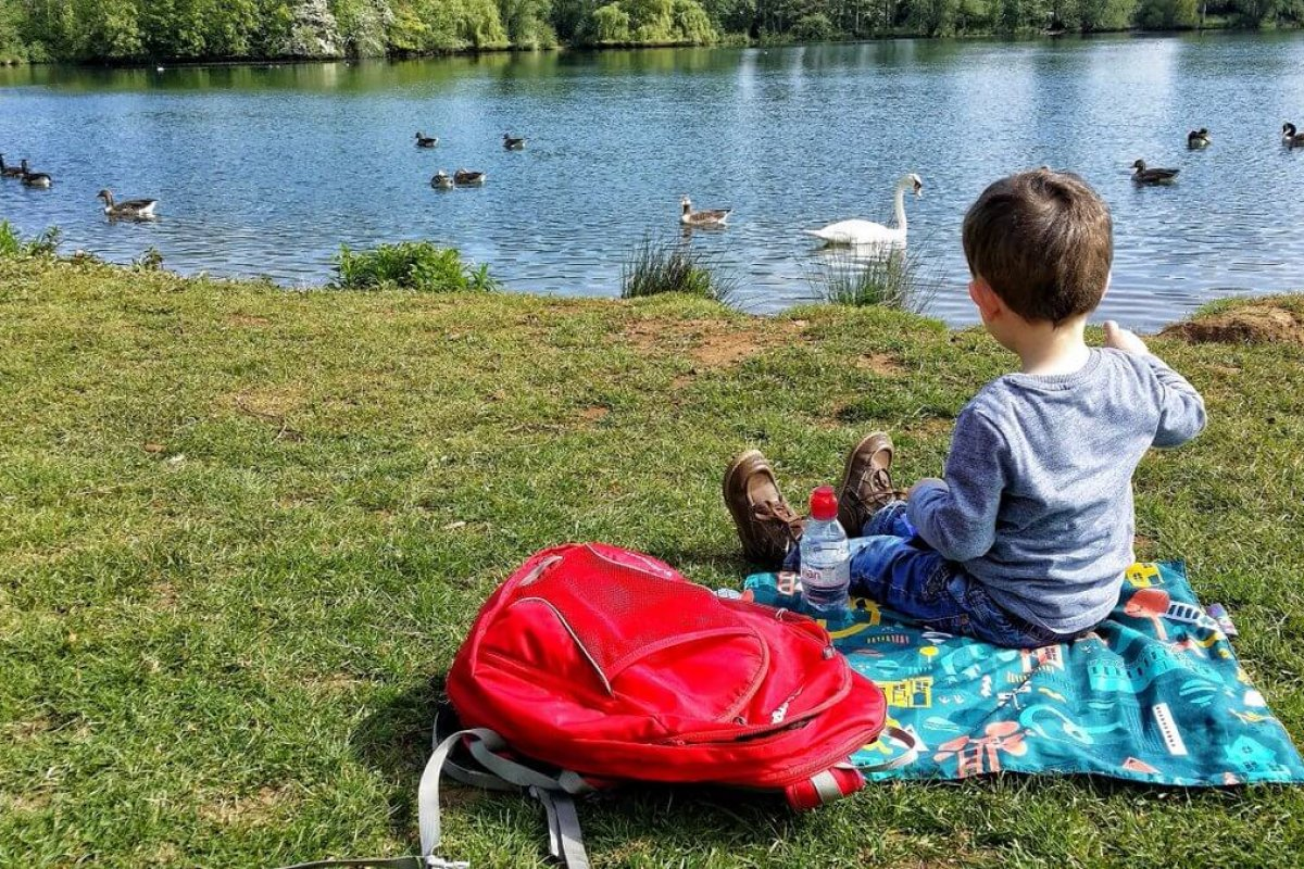Three easy outdoor ideas to help your family be more mindful