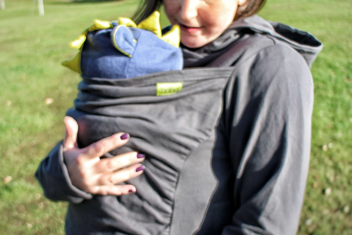 Review: Boba Hoodie and a guide to babywearing in winter
